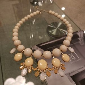 NWOT- Zara cream necklace